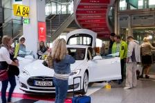 TESLA Präsentation am Flughafen Düsseldorf 2015